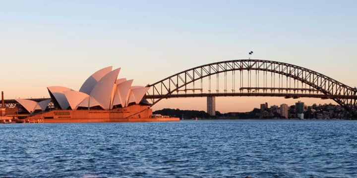 Sydney Opera House bay Bridge